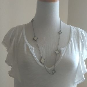 Alhambra four leaf clover mother of pearl necklace